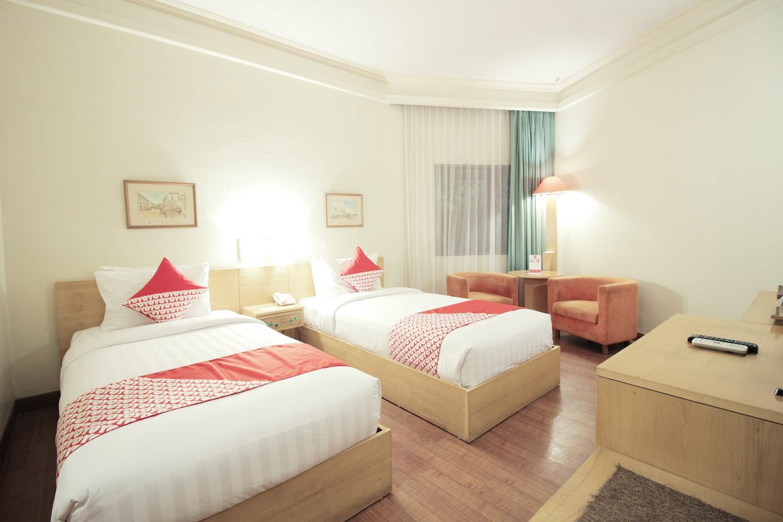 Capital O 253 Topas Galeria Hotel -1