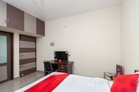 OYO 25021 Rajam Residency