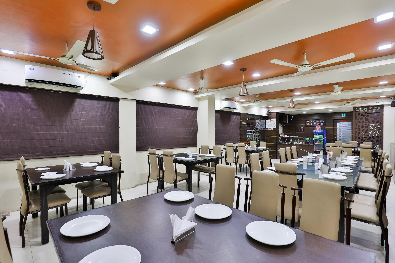 OYO 3238 Daksh Hotel