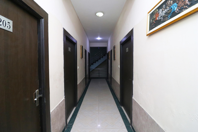 OYO 25037 Hotel Taj Heaven