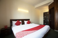 OYO 25053 Hotel Devi Palace