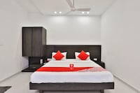 OYO 3243 Hotel Aditya Gir