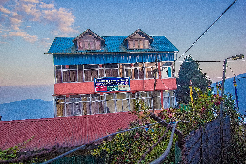 OYO 25063 Viramma Villa