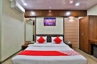 OYO 25065 Hotel Shree Daan Deluxe