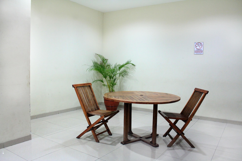 OYO 266 Margonda Residence 5