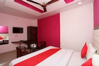 OYO 25083 Hotel Pratap Regal