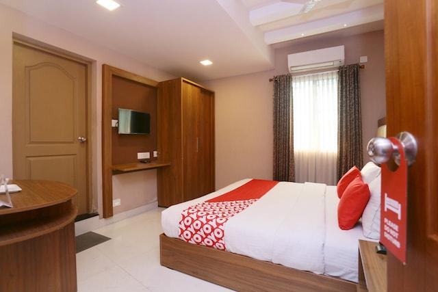 OYO 25093 Hotel Thamam