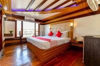 OYO 25105 Houseboat Luxury Sharing Water Cruise