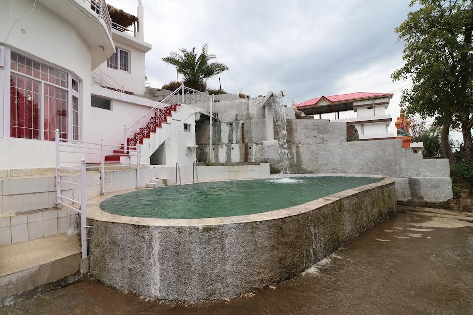 OYO 25107 Aqua Waterfall Hotel