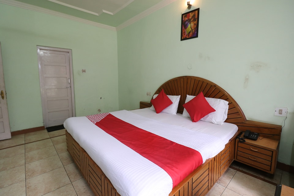 OYO 26142 Hotel Royal Dream
