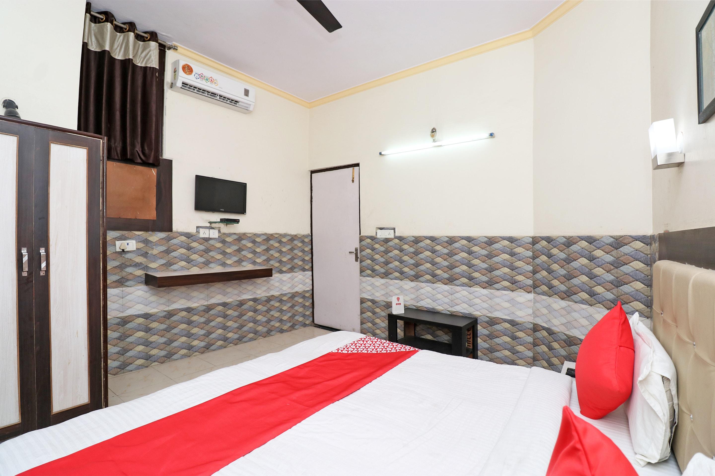 OYO 26146 Hotel Sarwan