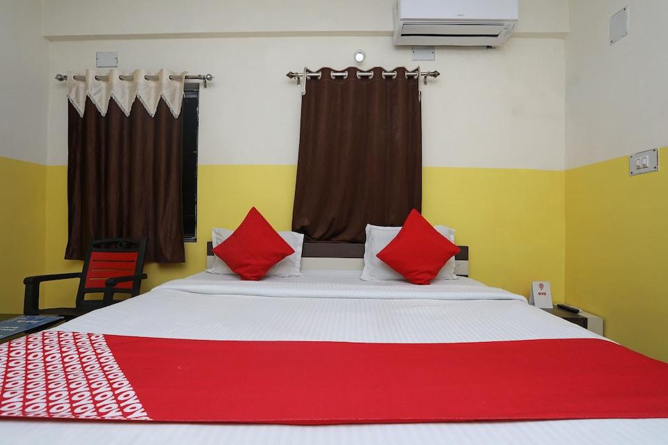 OYO 26152 Hotel Aarush