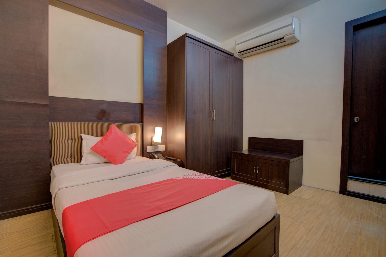 OYO 26196 Hotel Vip Regency -1