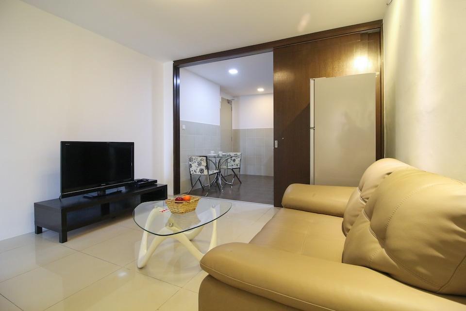 OYO Home 579 Elite 1BR Taragon Puteri