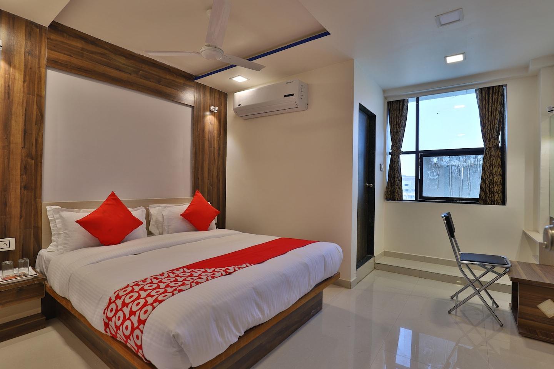 OYO 26476 Hotel Meridan Palace -1