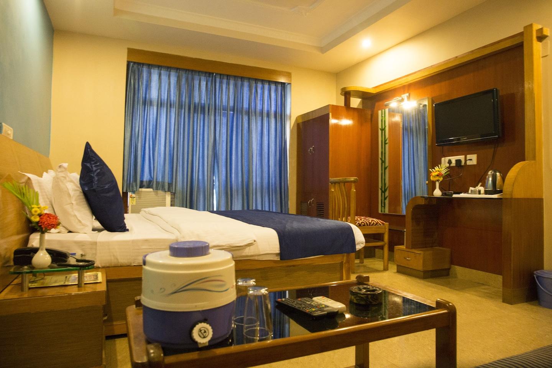 OYO 3259 Naren Palace -1