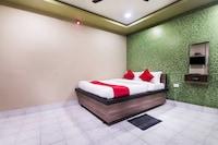 OYO 26483 Hotel President