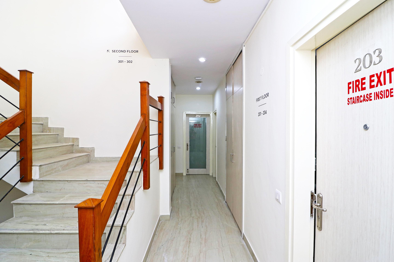 OYO 26484 SilverKey Dayal Villa
