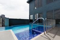 OYO Home 590 Elegant Studio 3Towers