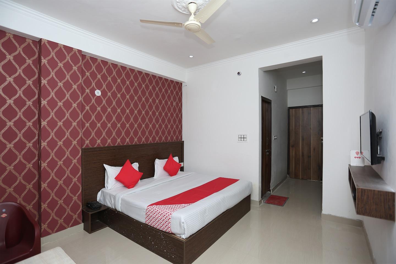 OYO 26575 Hotel Vandana -1