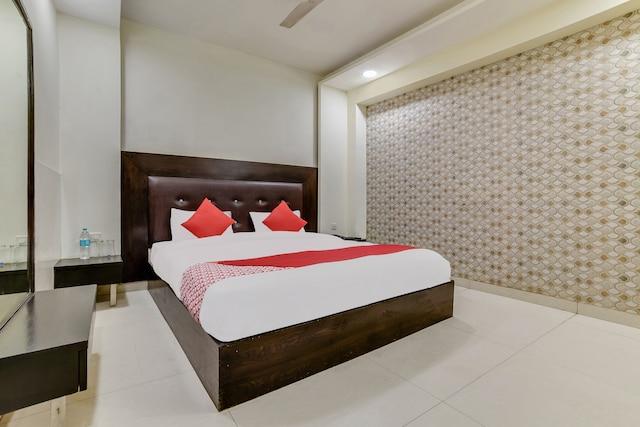 OYO Flagship 26585 Bhera Enclave Paschim Vihar