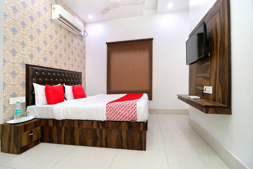 OYO 26591 Hotel Angad Inn