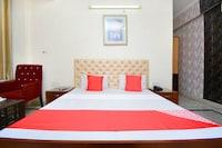 OYO 26594 Hotel Chirag Deluxe