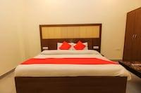 OYO 26596 Hotel Ambika Deluxe