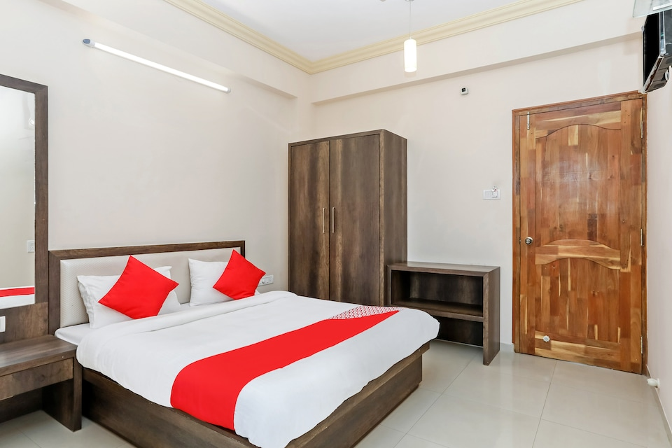 OYO 26603 Hotel Prakash International