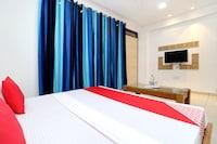 OYO 26606 Hotel R K Grand