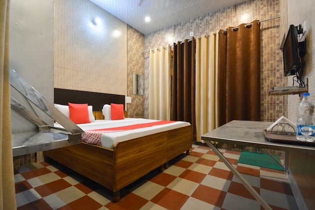OYO 26638 Kapoor Guest House