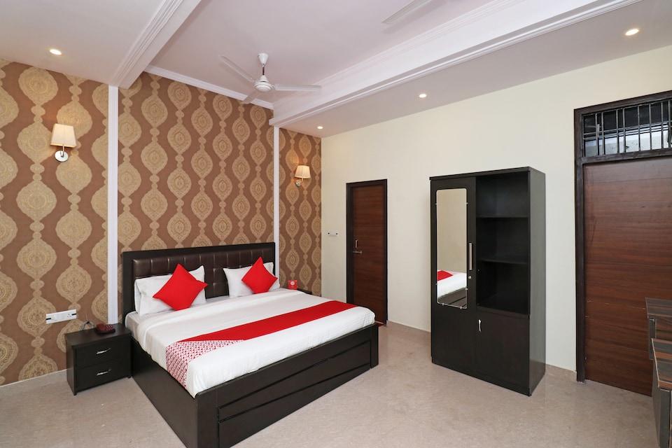 Capital O 26642 Hotel Royal Inn