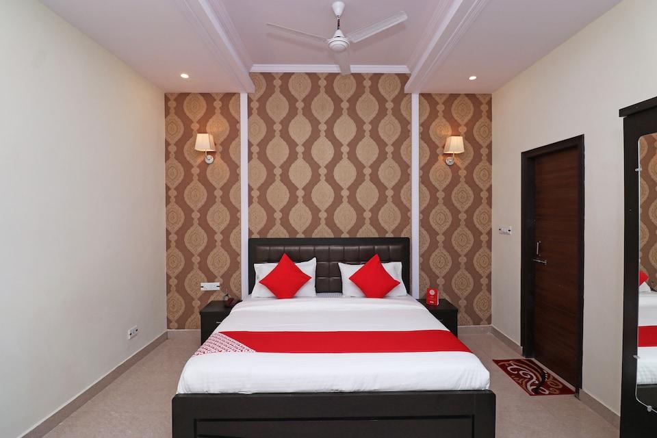 OYO 26642 Hotel Alessia View