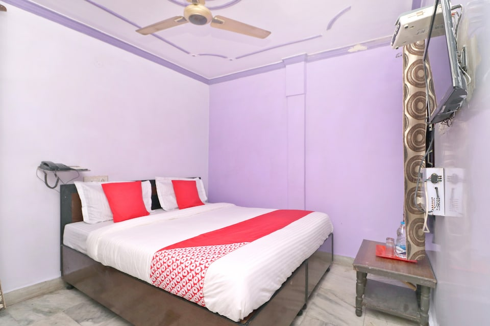 OYO 26655 Dr Guest House