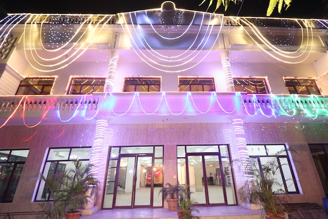 Capital O 26657 Vrindaban Guest House Deluxe