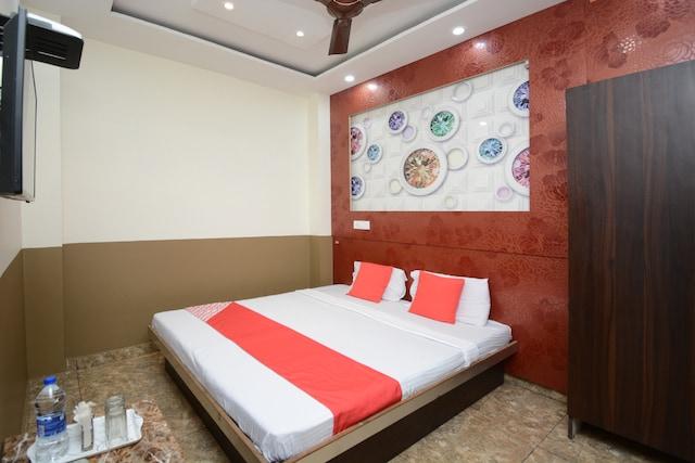 OYO 26663 Hotel Indian Ldh