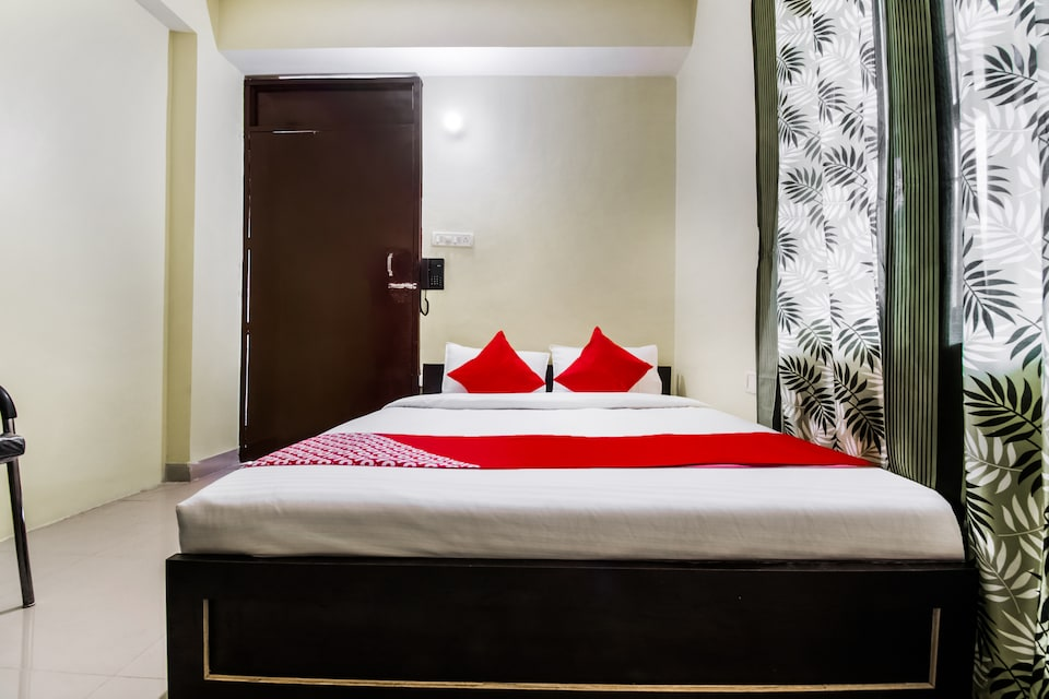 OYO 26664 Hotel Kumar Inn