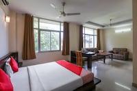 OYO 26683 Earl Grey Hotel Suite