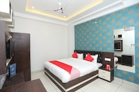 OYO 26711 Mukesh Palace Deluxe