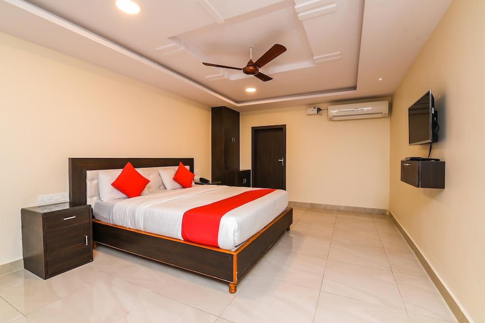 OYO 26723 Rb Residency