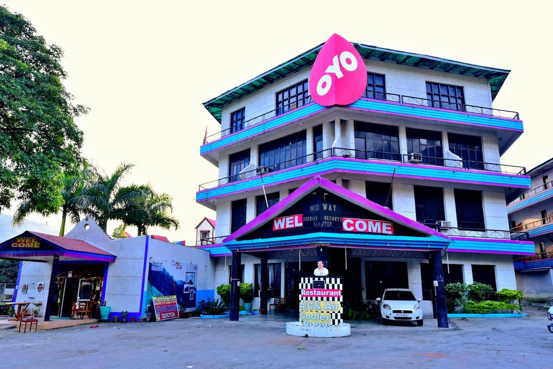 OYO 26724 Mid Way Tourist Resort -1