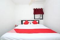 OYO 26738 Hotel Supreet