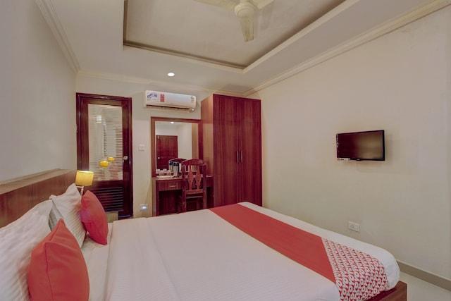 OYO 26743 Emirates Regency