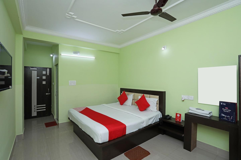 OYO 26765 Hotel Malancha -1