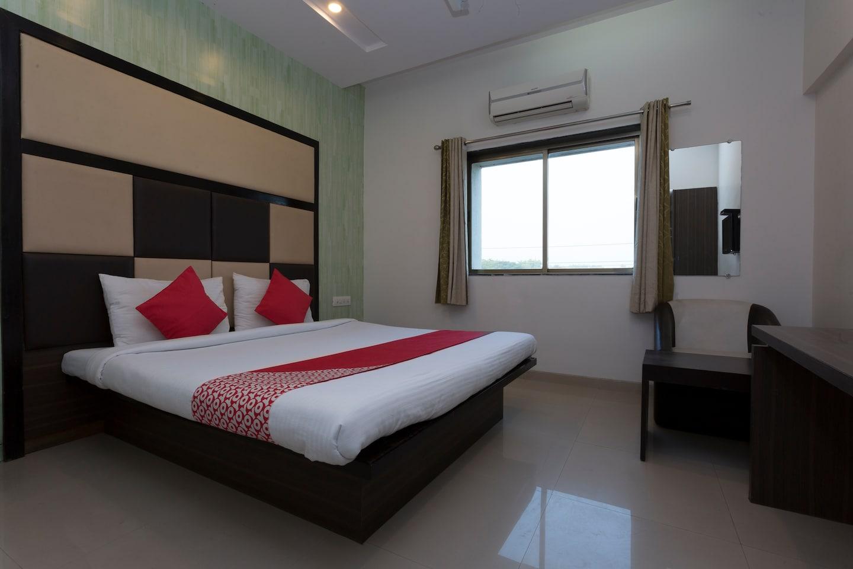 OYO 26795 Hotel Steers 07 Inn -1