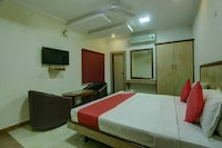 OYO 26797 SS Hotels Deluxe
