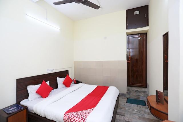 OYO 26808 Shree Ram Residency