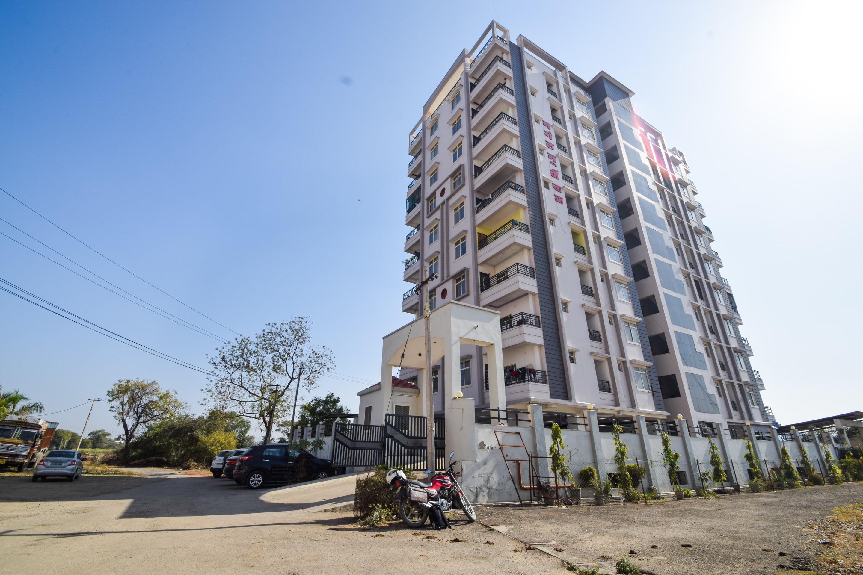 OYO 26818 Home Peaceful 2bhk Near Geetanjali Hospital