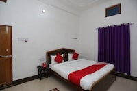 OYO 26852 Hanumant Palace