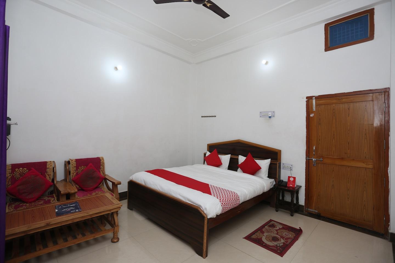 OYO 26852 Hanumant Palace -1